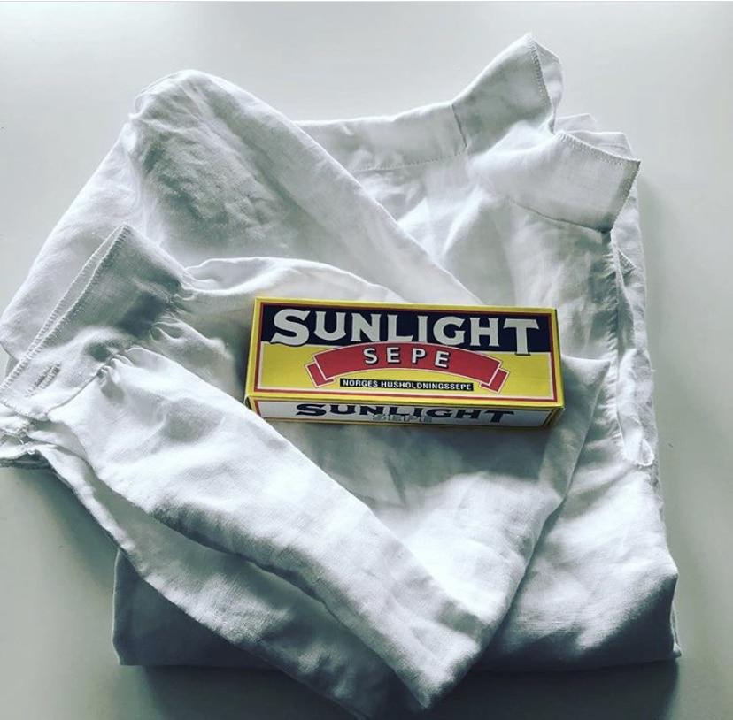 Bunadsskjorte og såpe