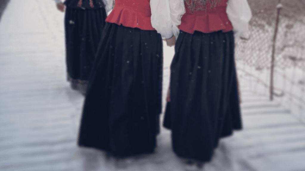 Stakk til Østerdalsbunad